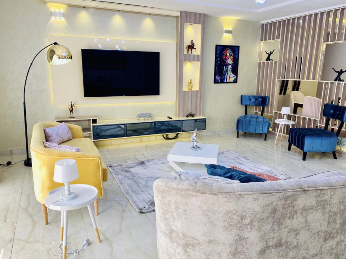 Lara's Luxury home