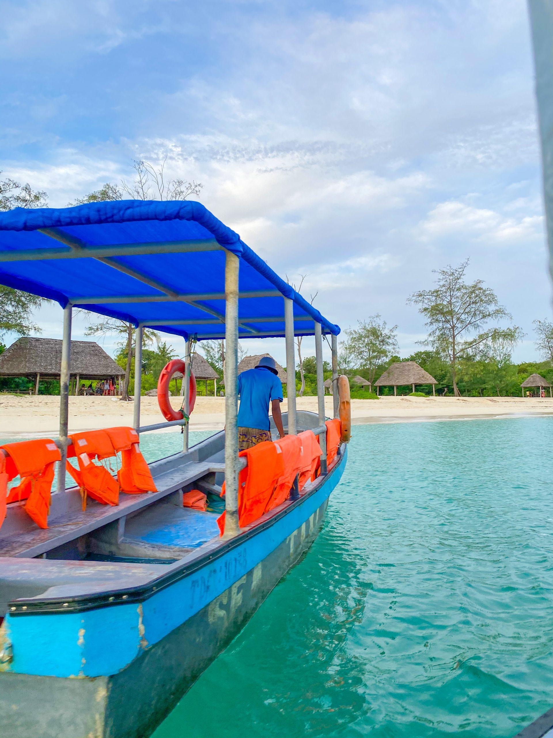 Boat to Mbudya island